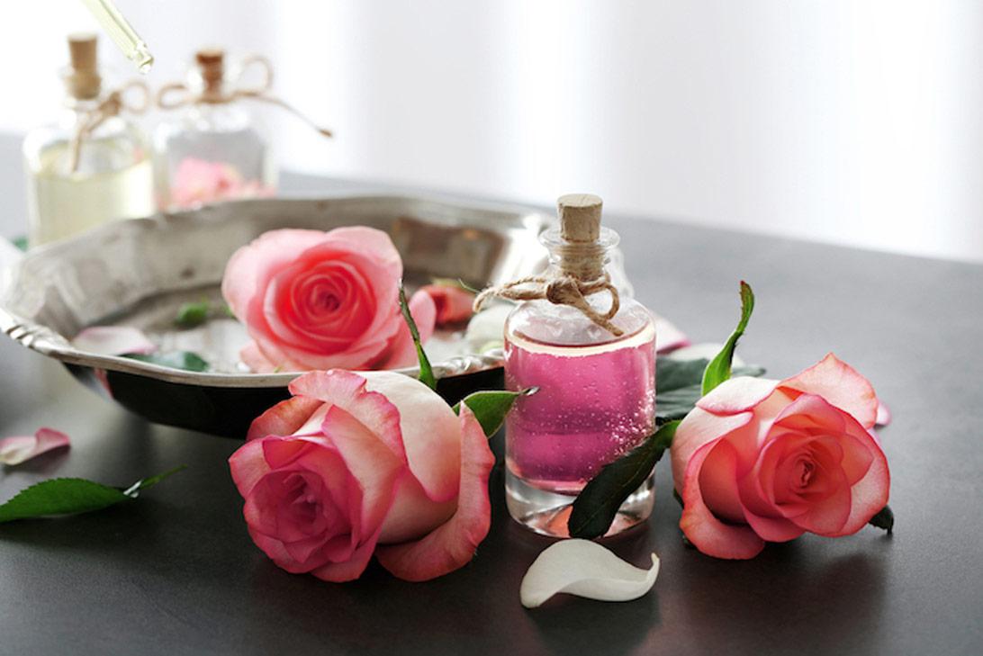 Rosalia by Bảo Hiên: 7 cách sử dụng nước hoa hồng cho làn da hoàn hảo
