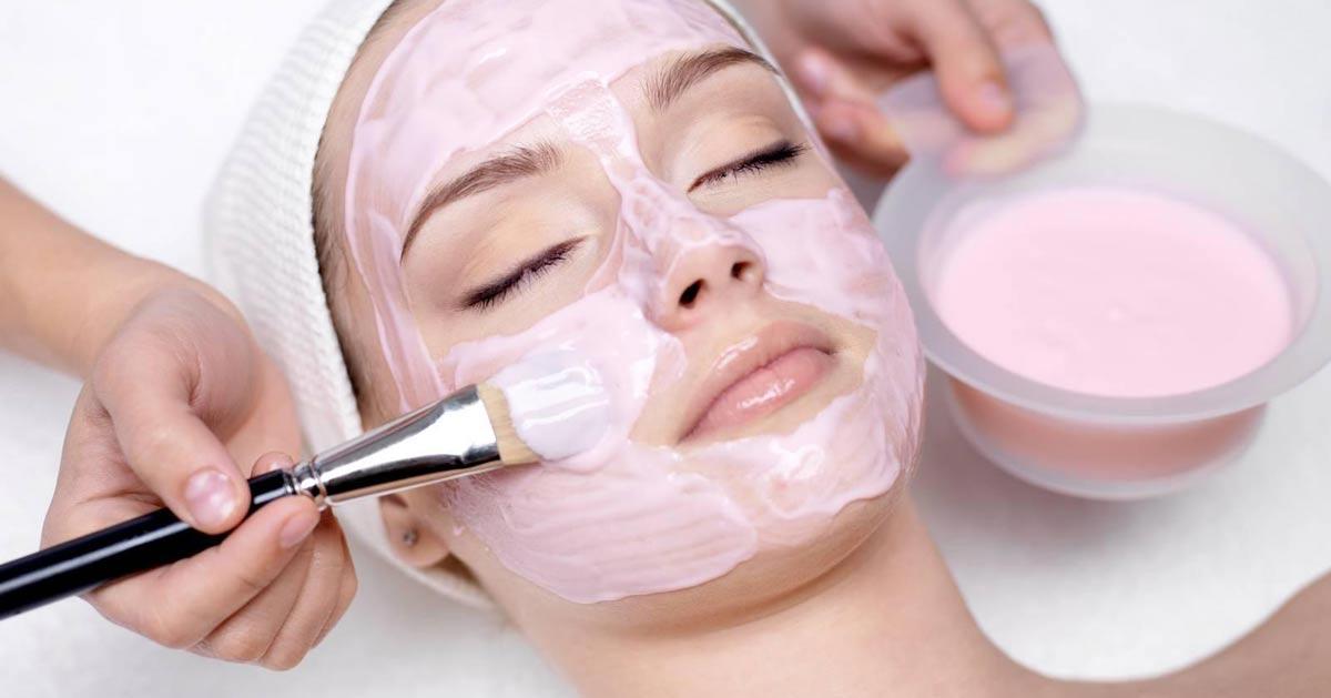 Rosalia by Bảo Hiên - Da mụn có nên đắp mặt nạ trắng da