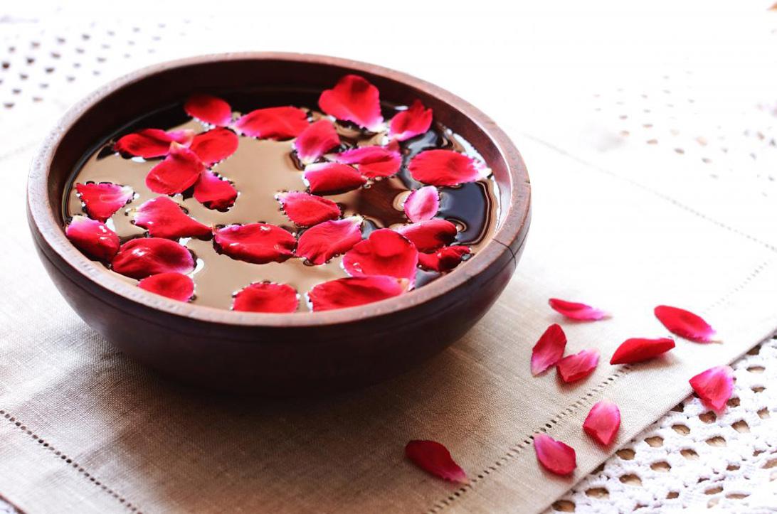Rosalia - Bảo Hiên Farm - khôn khéo lựa chọn nước hoa hồng tốt cho da mụn