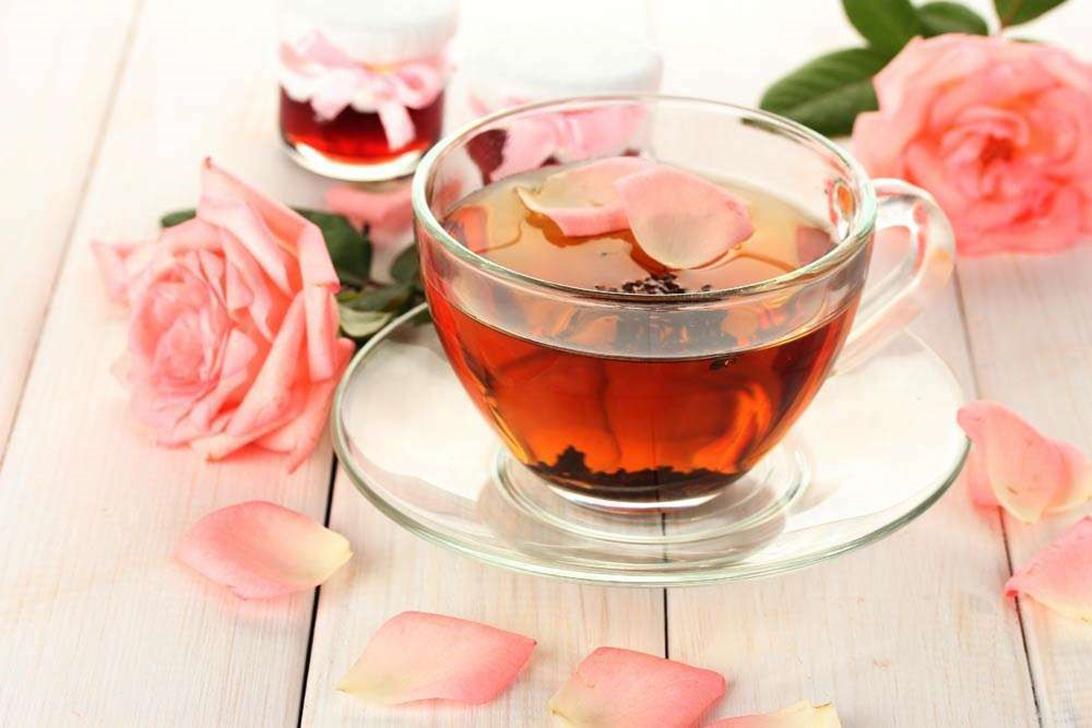 Rosalia by Bảo Hiên : Bật mí cách pha trà hoa hồng tươi ngay tại vườn